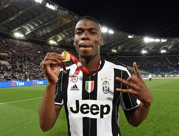 Paul Pogba fejrer med Juventus