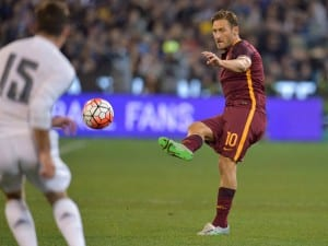 MELBOURNE, AUSTRALIA - JULY 18: AS Roma captain Francesco Totti during the international friendly match between Real Madrid and AS Roma at Melbourne Cricket Ground on July 18, 2015 in Melbourne, Australia. (Photo by Luciano Rossi/AS Roma via Getty Images)