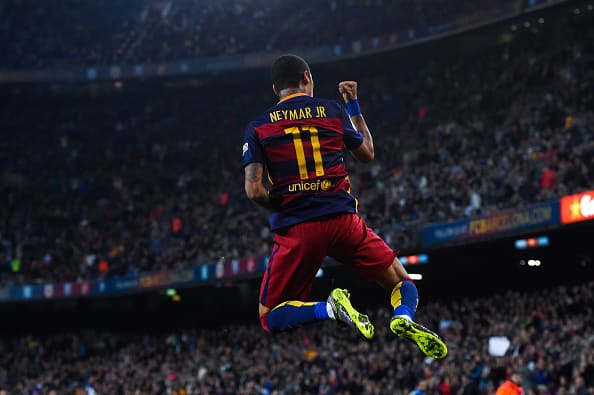 BARCELONA, SPAIN - OCTOBER 17: Neymar of FC Barcelona celebrates after scoring his team's third goal during the La Liga match between FC Barcelona and Rayo Vallecano at the Camp Nou stadium on October 17, 2015 in Barcelona, Spain. (Photo by David Ramos/Getty Images)