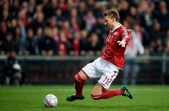 Nicklas Bendtner sparker