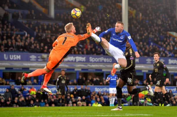 Wayne Rooney mod Kasper Schmeichel
