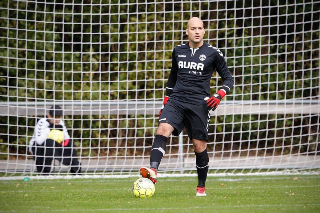 Officielt: Paradise Hotel-deltager skifter til Viborg FF