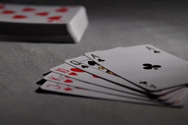 Trænger benene til ro, så hold din spilleglæde ved lige med online casino