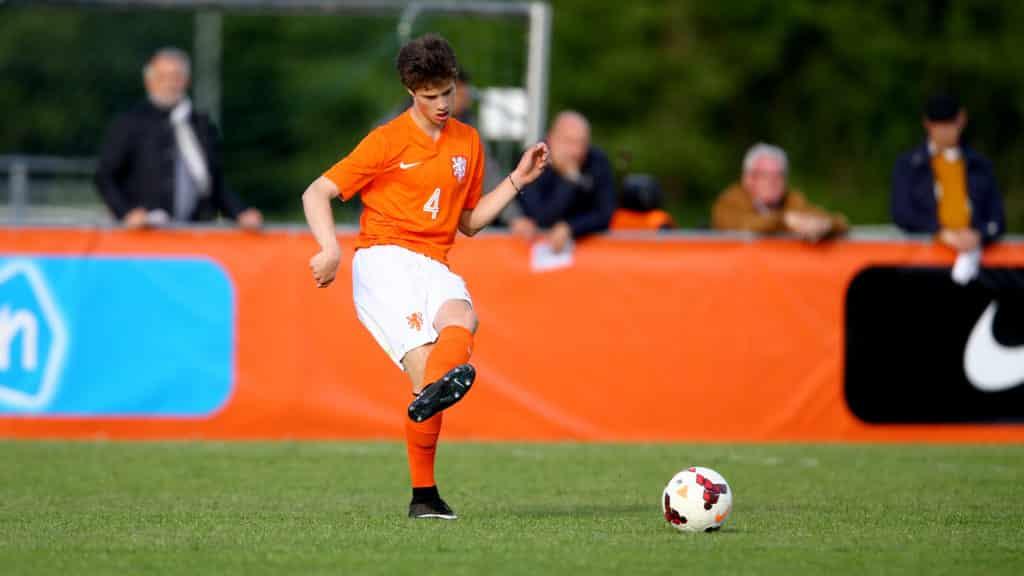 Ajax gør sig klar til salg af De Ligt: Henter 18-årig erstatning i Heerenveen