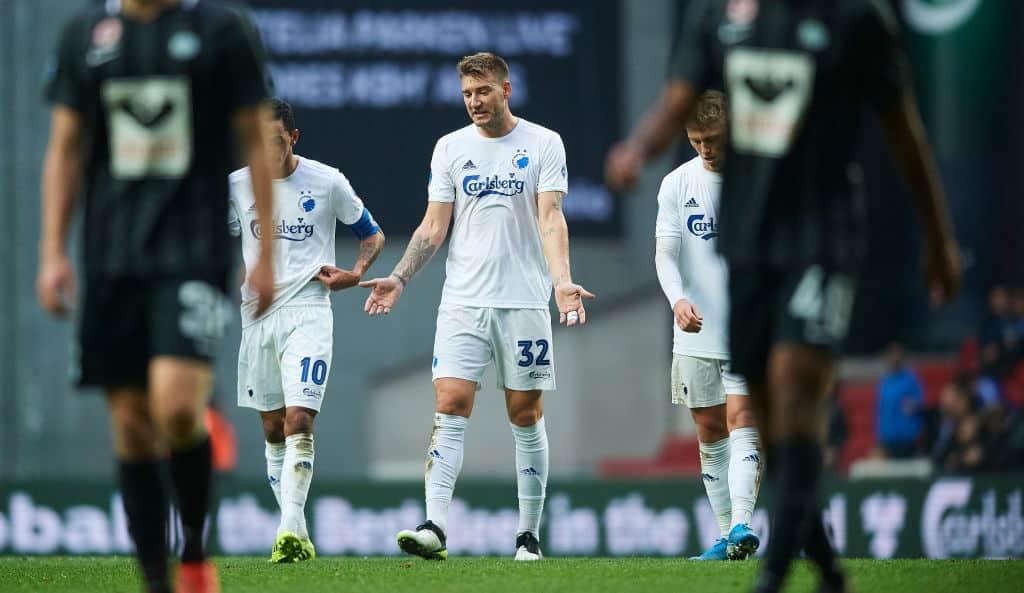 Bendtner er færdig i FCK og stopper (måske) sin karriere